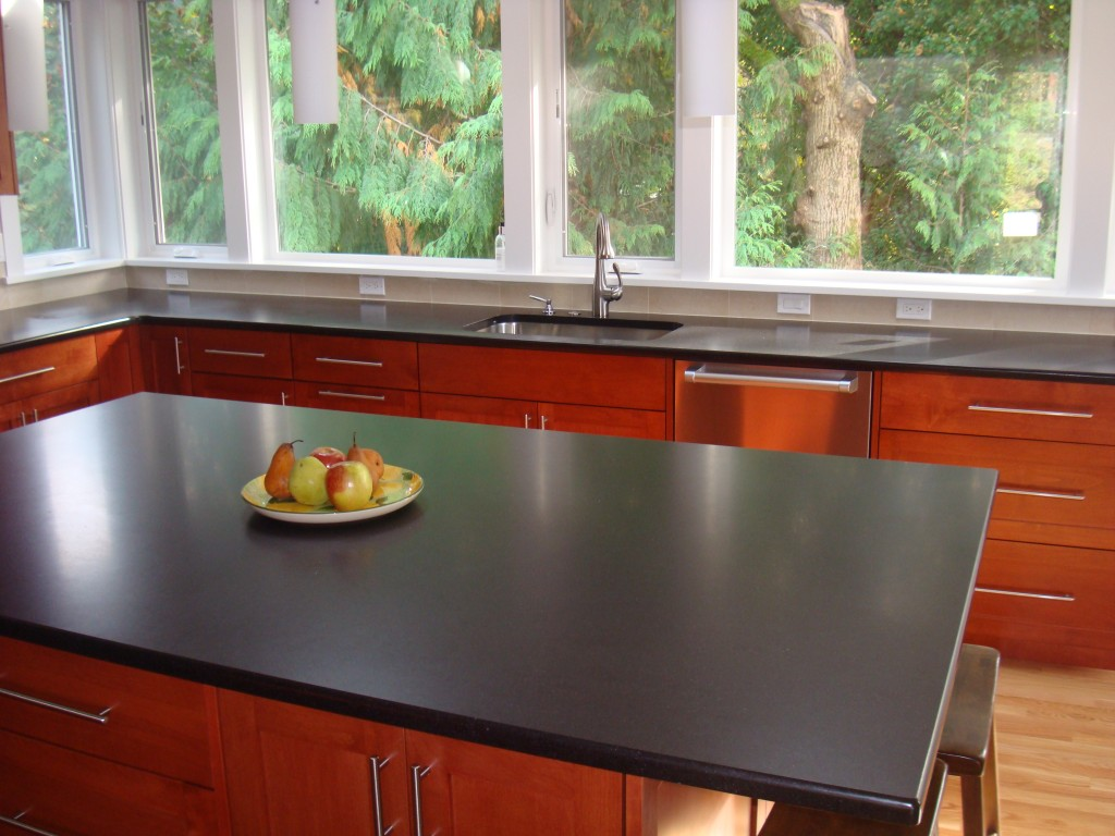 brown-black-kitchen